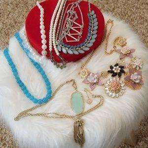 7 bundle necklace Kendra Scott, Jcrew jewelry set